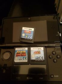 3ds with 10 games, charger and case