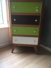 Re cycled set of drawers
