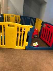 Play pen with mats included