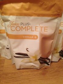 Juice plus complete vanilla shakes with berry blend capsules