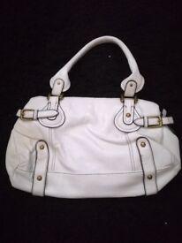 White bag TU