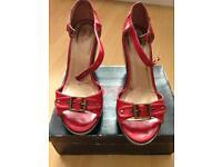 Ladies treds wedge sandals