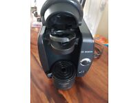 Excellent condition. BOSCH Tassimo Fidelia TAS 40 Coffee Machine +40 drink pods