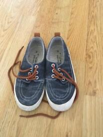 Kids shoes size 11