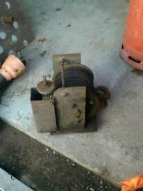Winch heavy duty 13mm cable, worm drive through phosphor bronze wheel,unused condition