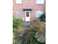 Three bedroom house in horfield, available to rent now. Fully furnished. Rent £1050 pm