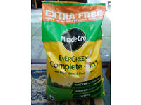 Miracle-Gro Evergreen Complete 4 in 1 – 400m2 Bag 14kg.