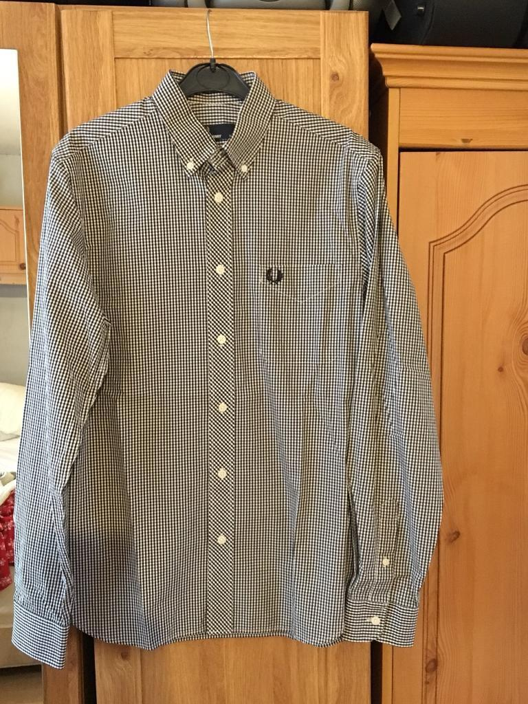 Fred Perry Shirt Small