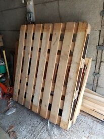 Pallet (2 different sizes)