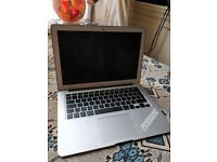 Weekend special - LATE 2014 APPLE MACBOOK AIR 13 inch Intel i5 4gb 256ssd laptop