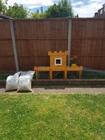 Chicken Coop with Run+2 Bags of Hay+1Bag 20Kg Poultry Grower