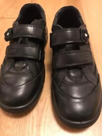 Girl ECCO school shoes size 33 (UK 2) very good condition £5