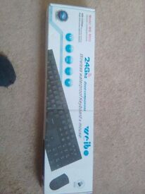Brand new in box keboard and mouse wirelrss and waterproof