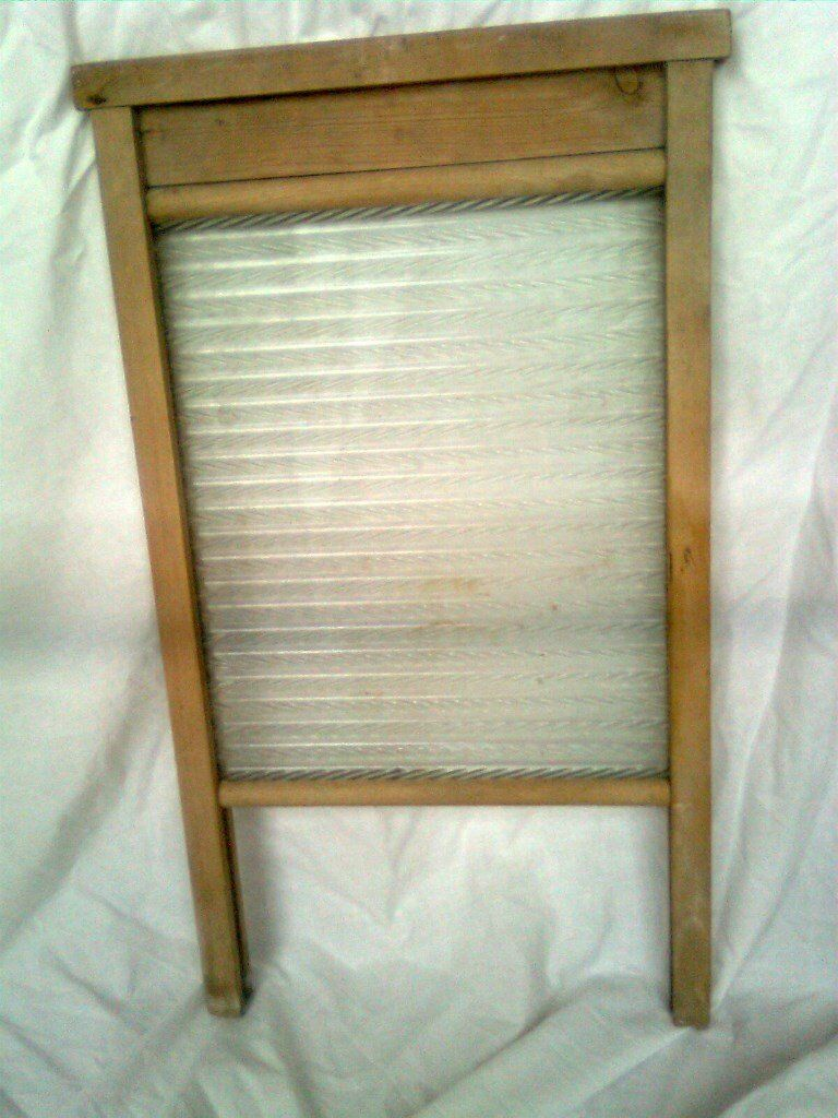 Vintage wooden and glass wash board, 54cm by 32cm, frosted ribbed glass, good condition