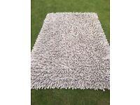 Large 100% Wool Rug - 150 x 240cm