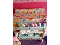 Unisex Baby Changing Table With Bath In Middle Section & Storage On Bottom