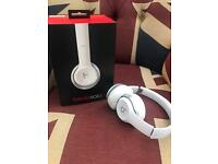 Beats Solo 2 headphones in white Excellent condition