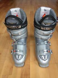 Ski boots male size UK 10