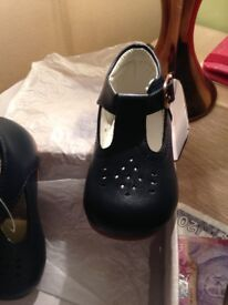 Size 5 toddler leather shoes