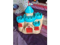 ELC Castle Grow And Play