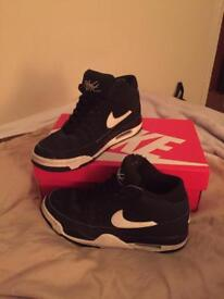Nike air flights size 7
