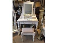 ANTIQUE STYLE WHITE SHABBY CHIC DRESSING TABLE WITH MIRROR & STOOL