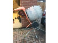 Belle petrol cement mixer good condition ready for work