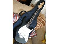 Peavey Quality Stratocaster electric guitar black white near new
