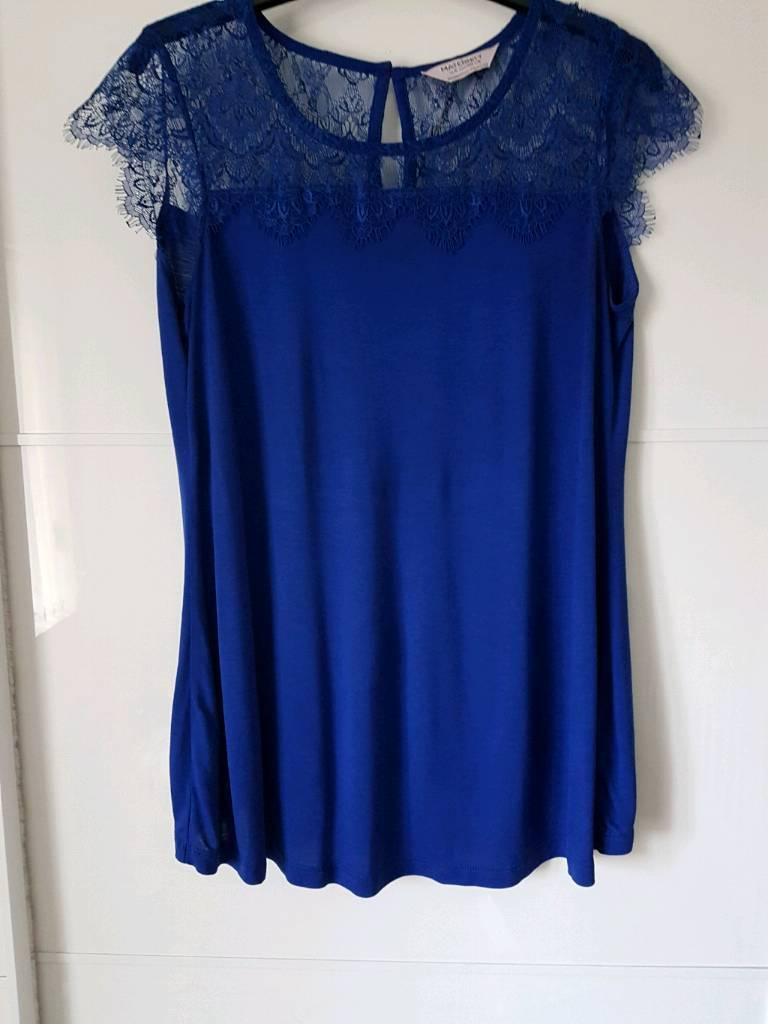 Maternity tops size 8