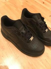 Air Force 1s size 4