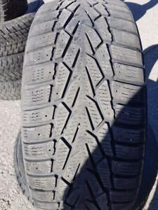 3 PNEUS HIVER - NOKIAN 205 55 16 - 3 WINTER TIRES