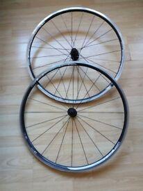Shimano R500 Bike Wheels / Wheelset