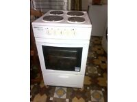 freestanding electric cooker in very good condition can deliver