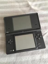 Nintendo DSi. Spares or repairs