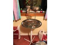 Parrot indoor/outdoor playstand, strong, with two steel feeding bowls