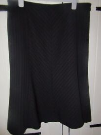 PER UNA SKIRT BLACK PINSTRIPE BUSINESS FULLY LINED SIZE 16