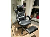 Super Gaming Chair w/ Lombar and Feet Support