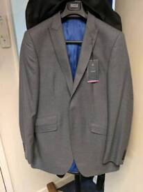 """BNWT M&S luxury tailored fit 42"""" extra long grey suit jscket"""