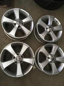 4 mags d'origine Volkswagen 17 model *Sima*                           Code M54