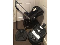 Doona car seat with isofix and bag *can post*