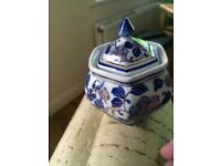 Beautiful porcelain vase/pot with lid from Hong Kong