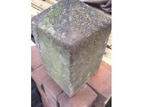 2 corner kerb stones