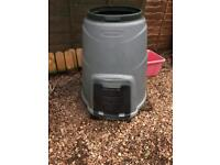 Large compost bin with lis