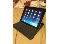 Apple iPad 2 Wifi and Cellular with stand case