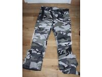 MOTORCYCLE CAMOUFLAGE TROUSERS 34 W