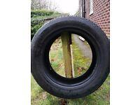 Kumho tyre 235/60/18. Plenty of wear still.left in it.