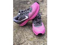 Nike Pegasus 30 size 5 Running shoes Women's