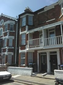 Ramsgate 4 bed house East cliff 200 m from seafront Victorian original features £420000 07444794259