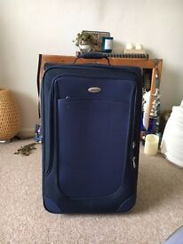TRAVEL SUITCASE MEDIUM SIZE