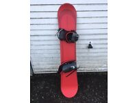 B BOND LIMITED EDITION 135cm SNOWBOARD AND BINDINGS